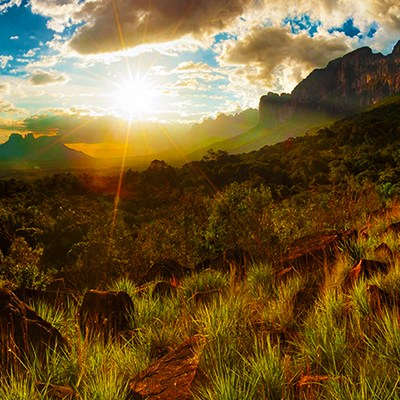 mountain-grass-venezuela-sunlight-rock400x400
